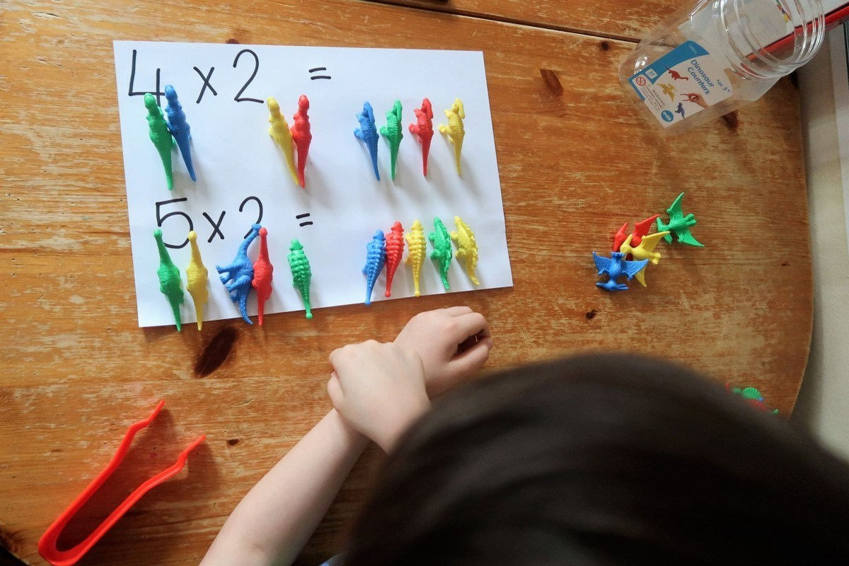 Edx Education_MATHS_Homeschooling: The Dinosaur counters -The Mum Diaries-3